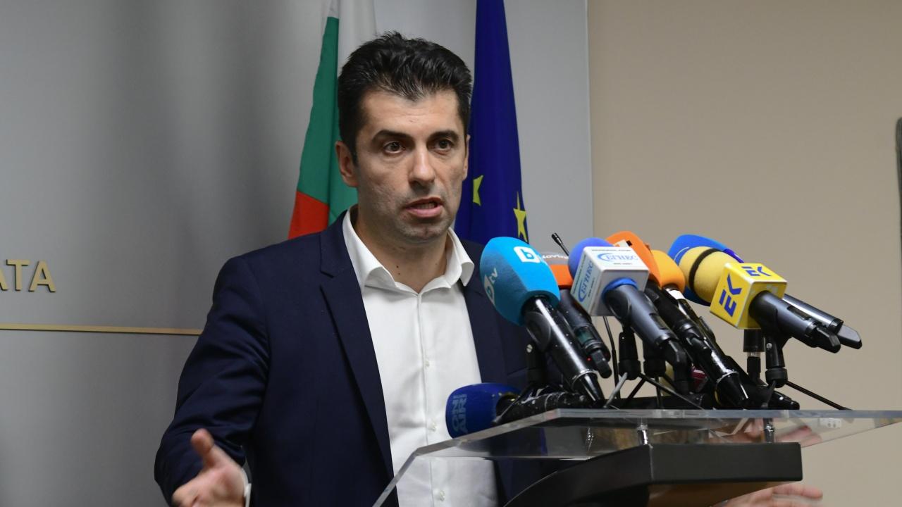 Министър Кирил Петков заминава за Бургас