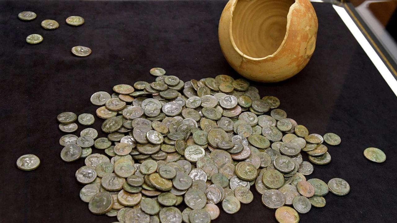 Иззеха монети и предмети с културно-историческа стойност в Русе