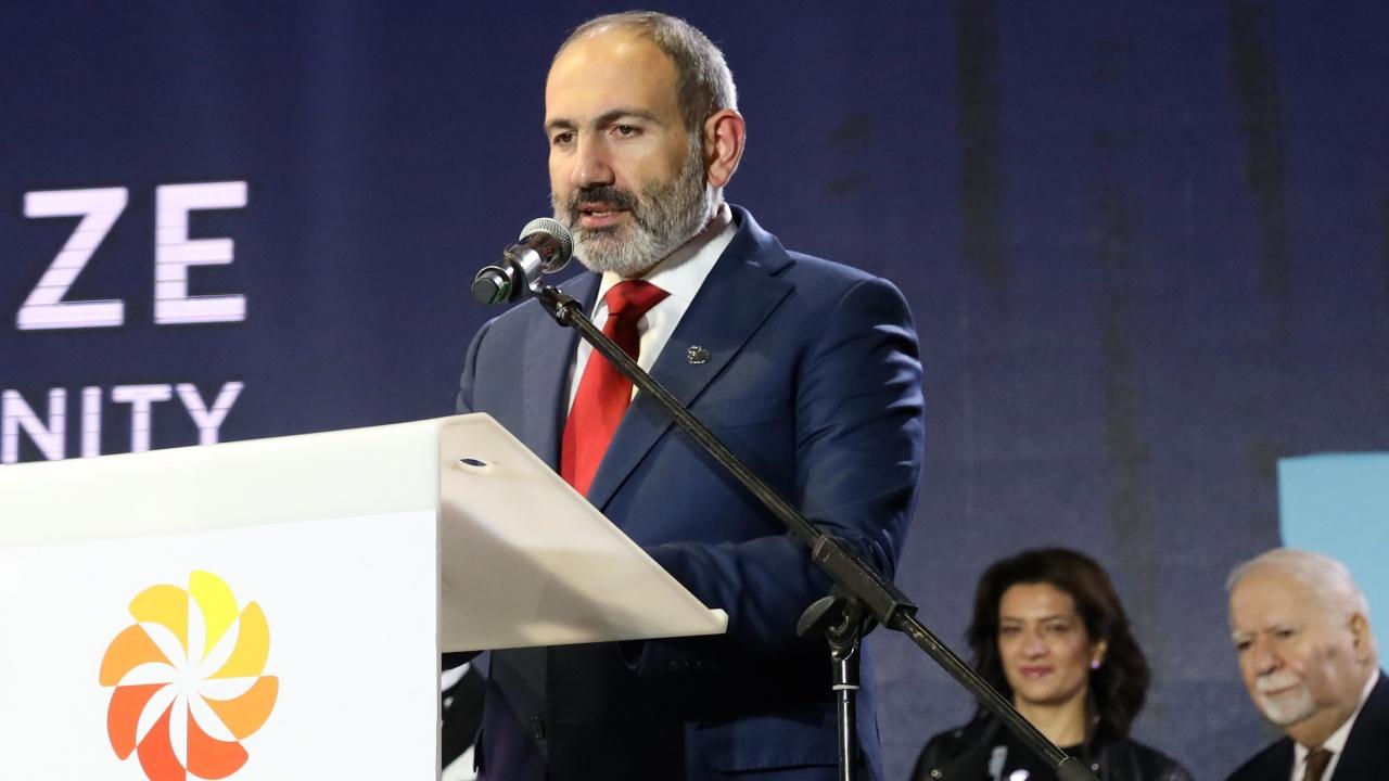 Депутати от управляващата партия и опозицията се сбиха в арменския парламент