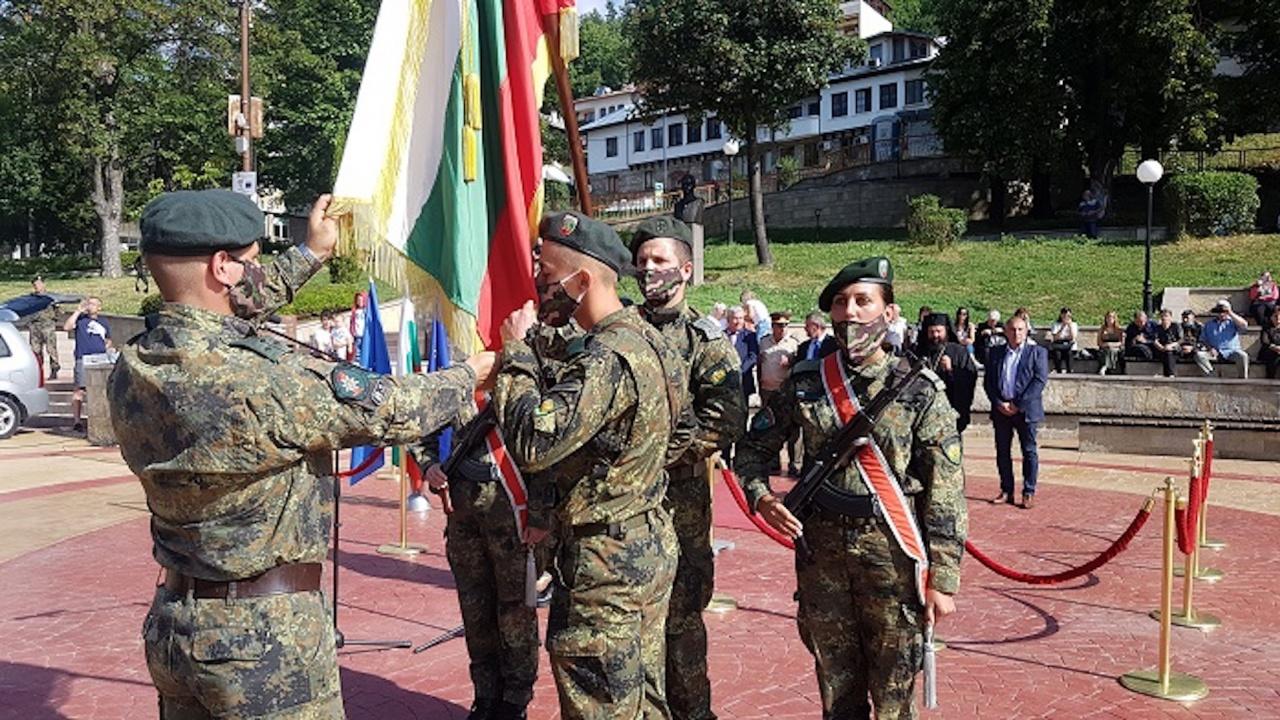 73 новоназначени военнослужещи положиха военна клетва