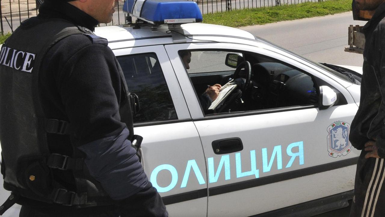 Пиян огъна патрулка в Пловдив