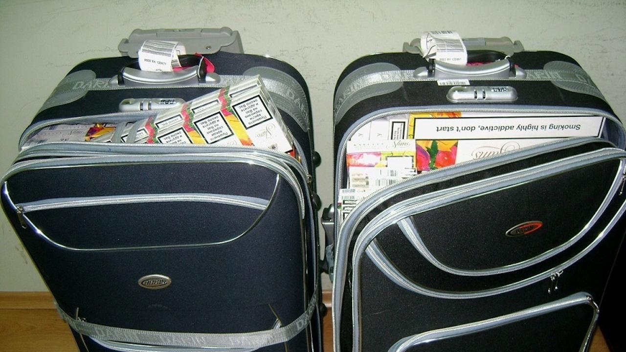 Заловиха контрабандни цигари на летище Бургас