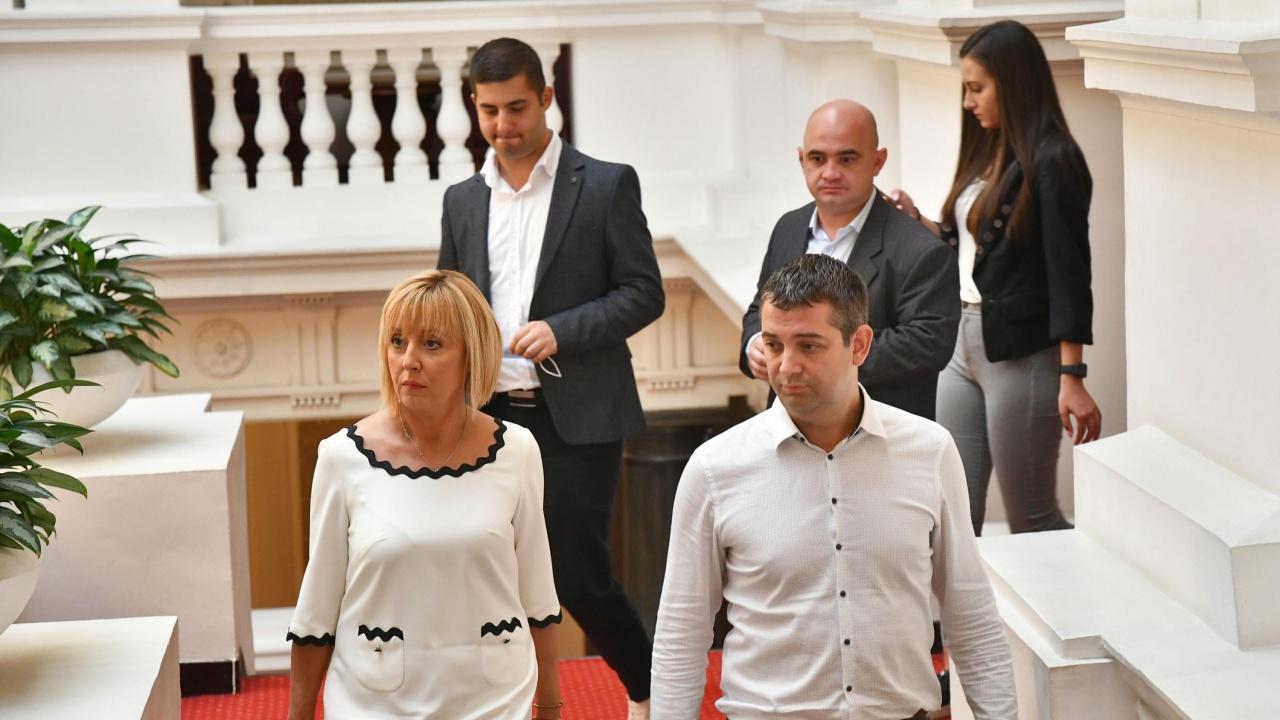 Мая Манолова и Николай Хаджигенов обясниха защо са ходили в офиса на Слави Трифонов