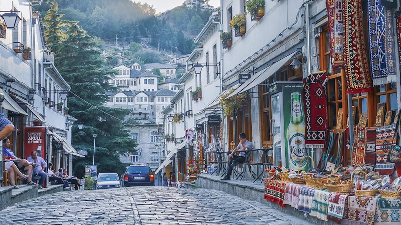 Поискаха легализация на канабиса в Албания