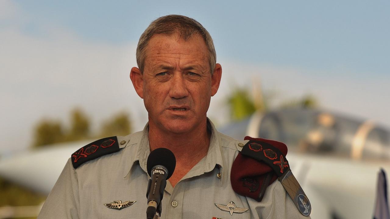 Първа среща между израелския министър на отбраната и палестинския президент