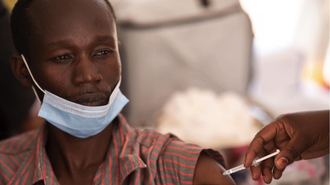 Франция ще отпусне още 10 млн. дози от ваксини срещу COVID-19 за африканските страни