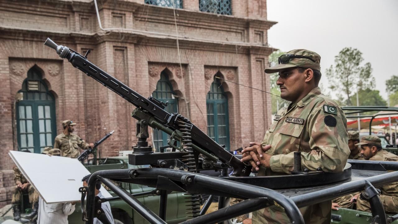 B Пакистан убиха единадесет бойци на ИД