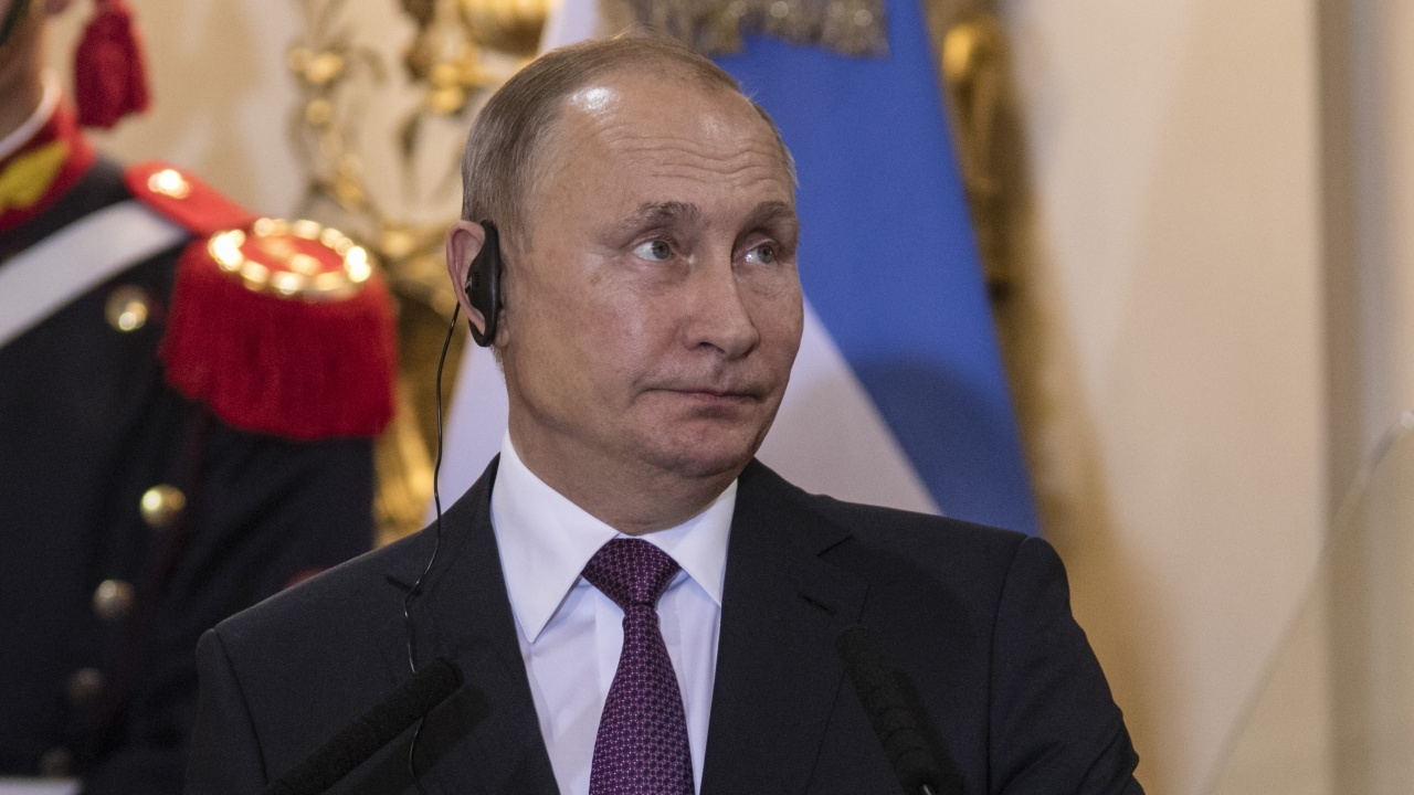Предизборно. Путин нареди да се изплатят премии на полицаите и военните