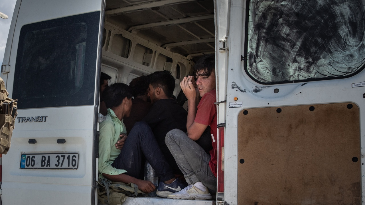 Непълнолетен афганистанец задържан в Добрич