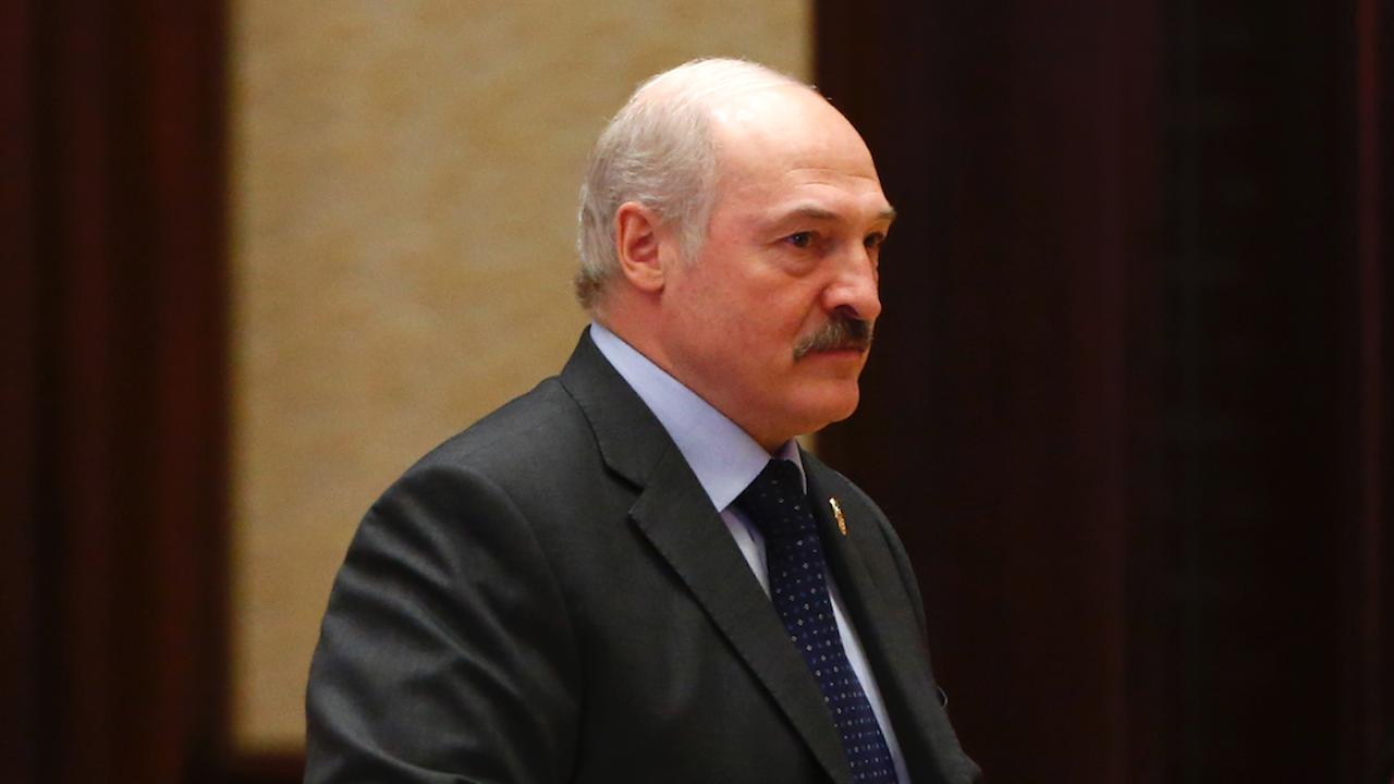Лукашенко: Русия ще достави скоро на Беларус много оръжия
