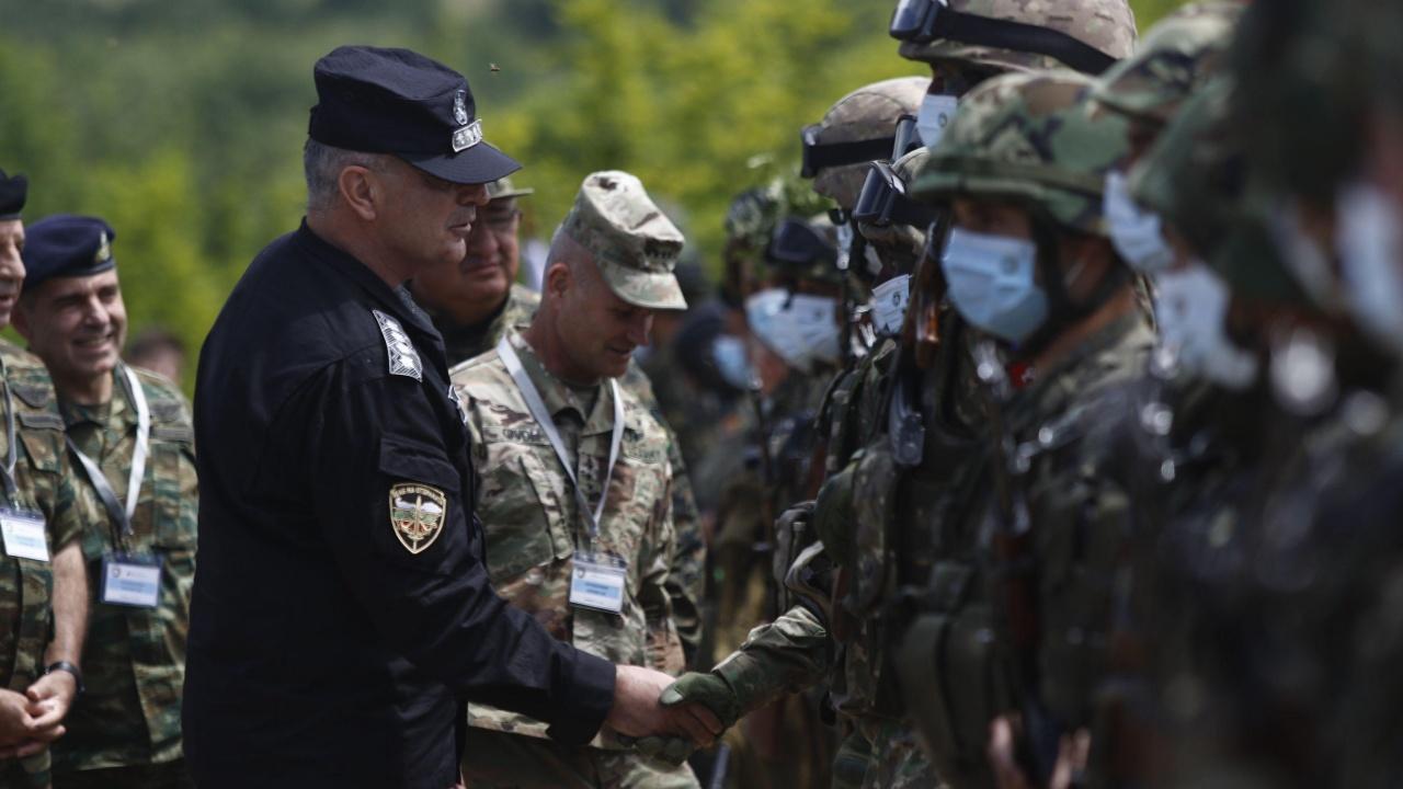 Министерство на отбраната: Армията е в готовност!