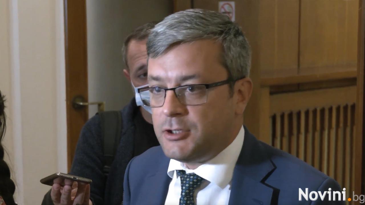Тома Биков: Сайтовете за фалшиви новини са заплаха за националната сигурност