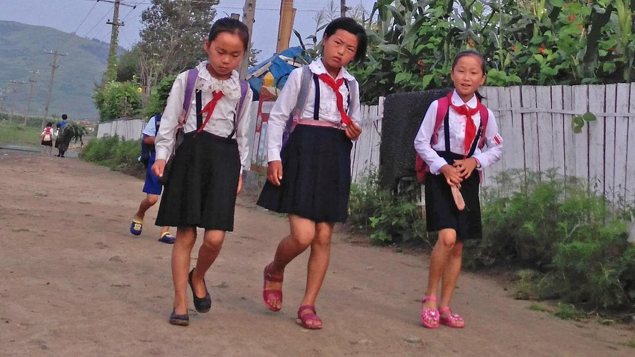 Гладуващи севернокорейци отвличат деца на свои богати съграждани