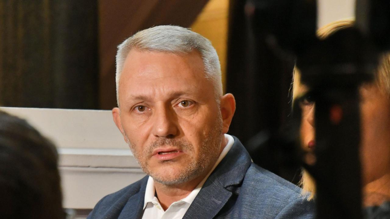 Хаджигенов атакува председателя на СГС: Алексей Трифонов няма българско гражданство и трябва незабавно да бъде освободен
