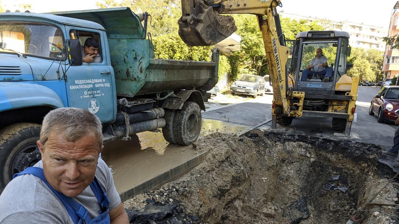 Заради кражби и течове по мрежата: Вода за цял язовир губим по тръбите