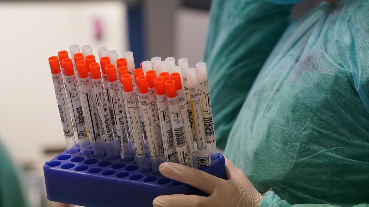 Австралийският щат Нов Южен Уелс регистрира рекорден брой заразени с коронавирус и смъртни случаи от COVID-19