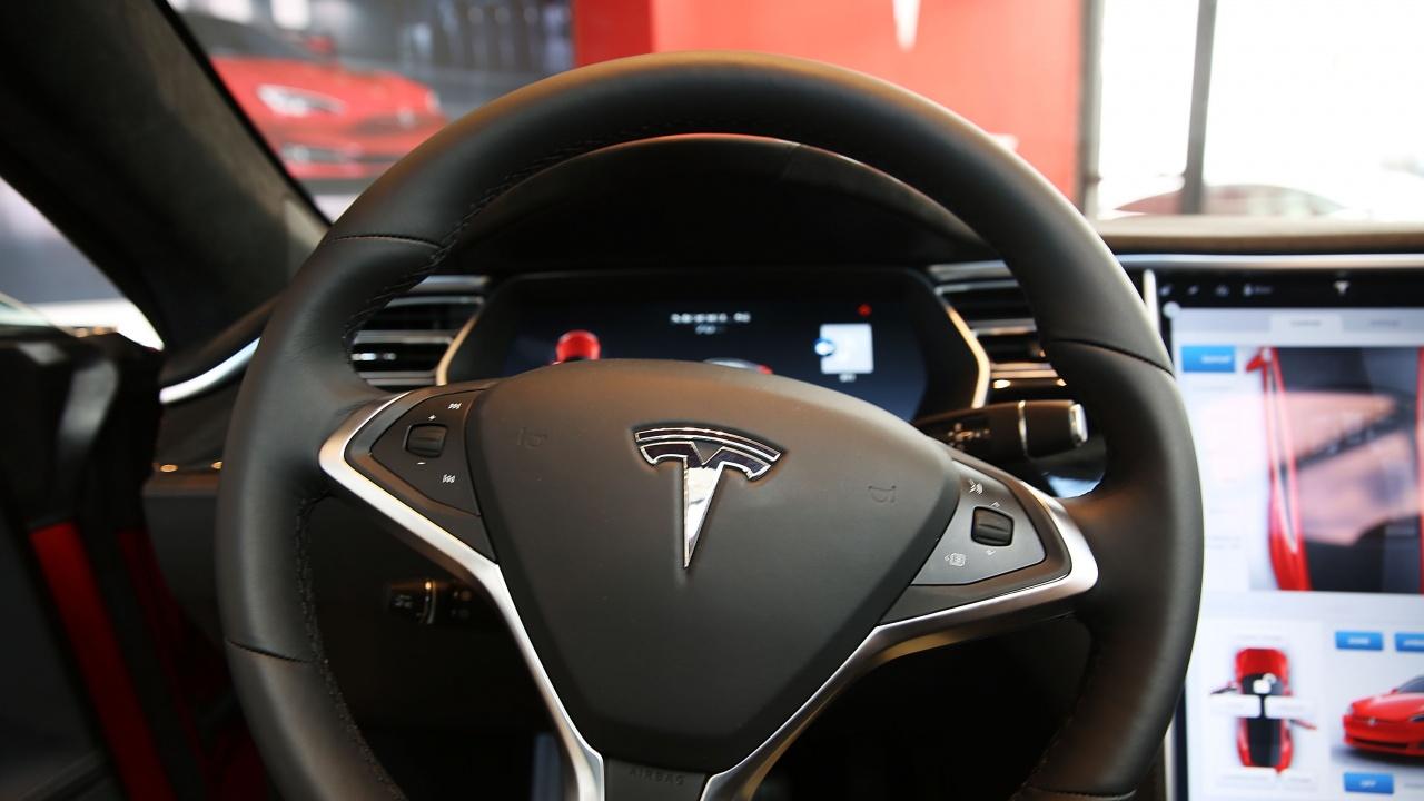 В САЩ разследват фатална катастрофа, причинена от автомобил на Тесла