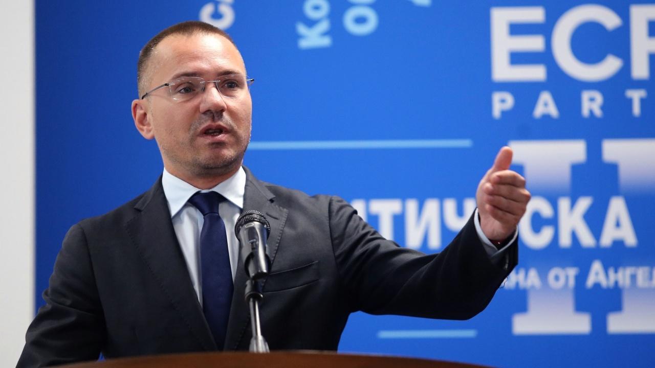 Ангел Джамбазки: Политиката се премести в социалните мрежи и реалният дебат изчезна