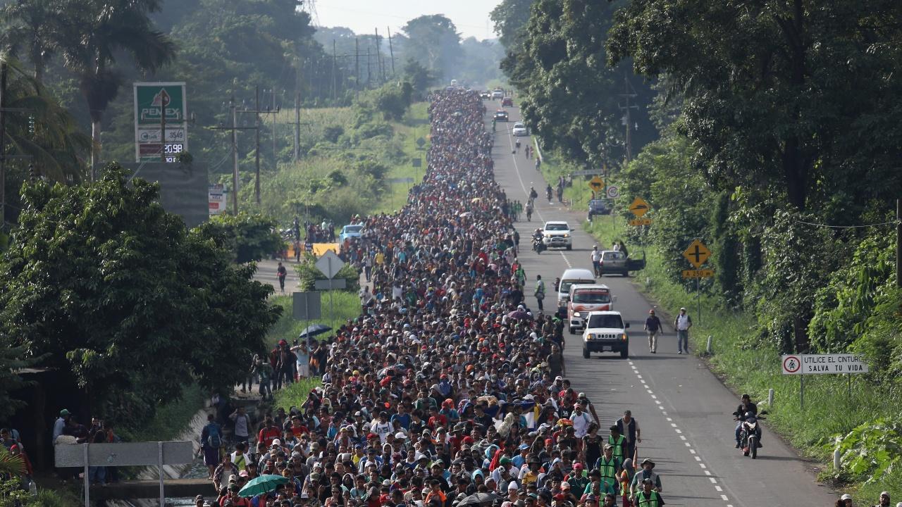 Мексиканската полиция разпръсна мигрантски керван в южната част на страната