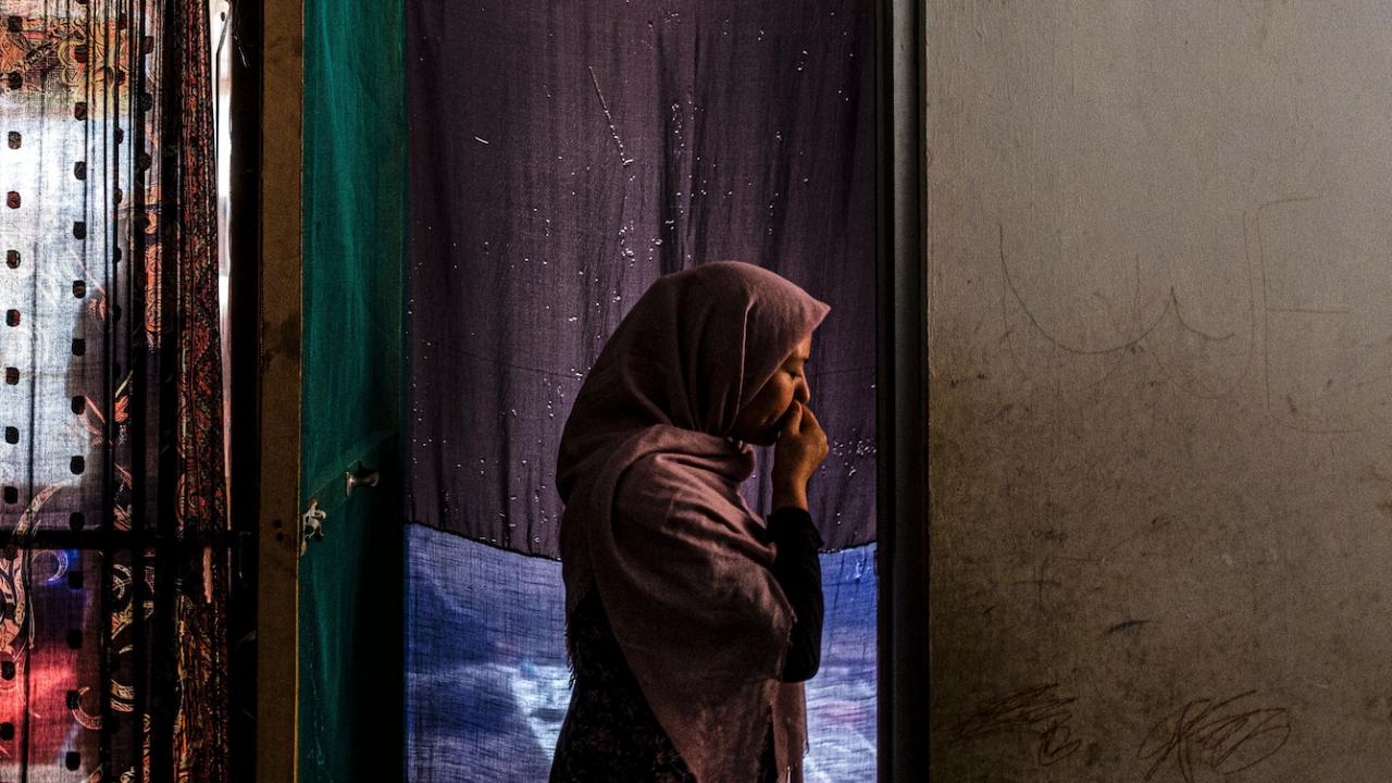 Афганистанските съдийки търсят спасение, преследвани от мъжете, които са пратили в затвора