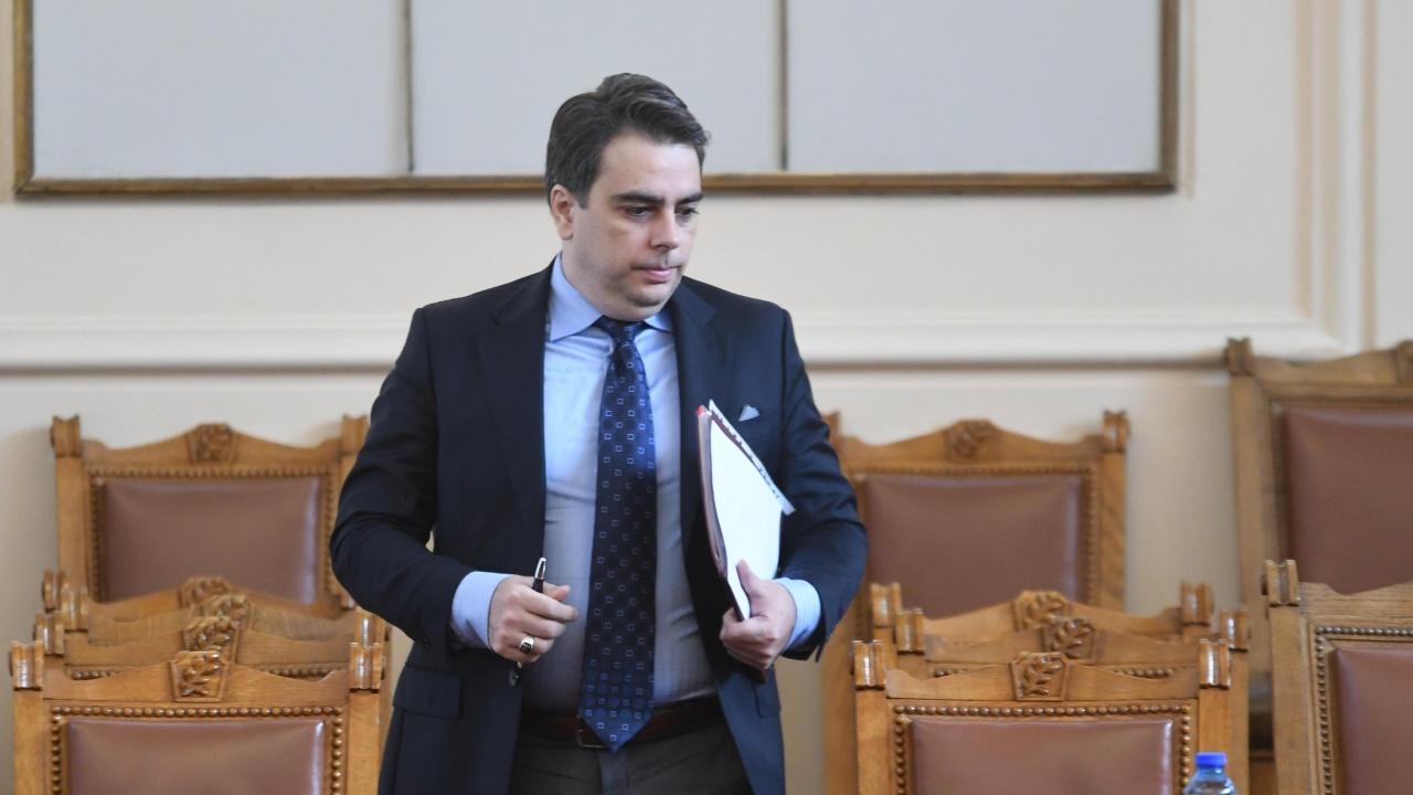 Асен Василев: Ако се променят параметрите в бюджета на ДОО, трябва да решим откъде да отрежем разходи, за да увеличим пенсиите