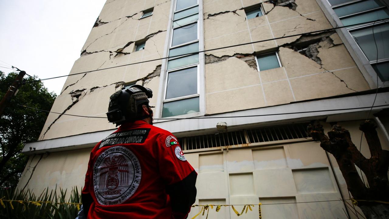 Един човек е загинал от силното земетресение в Мексико