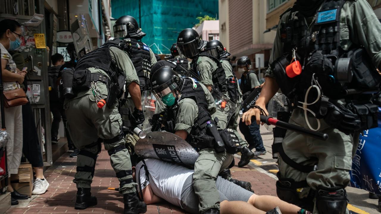 Четирима видни активисти арестувани в Хонконг