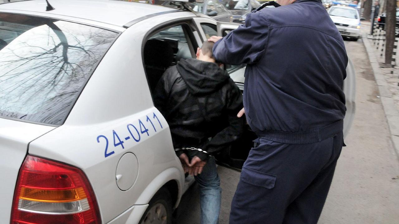 Задържаха серийния крадец, атакувал магазини и заведения във Варна