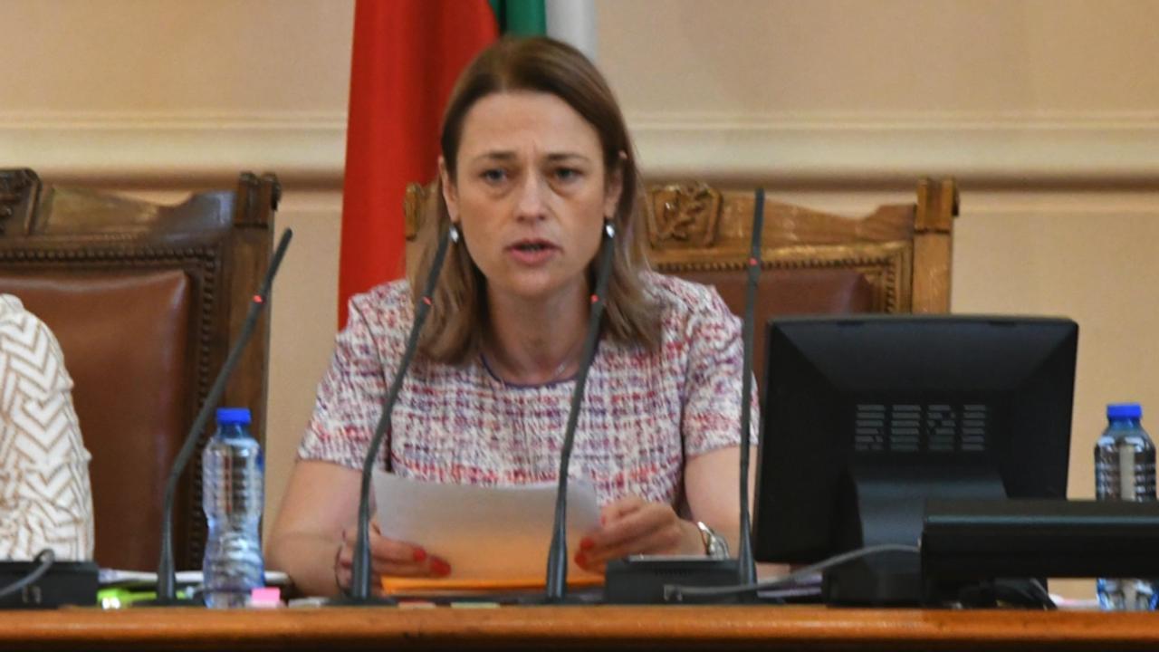 Ива Митева свика извънредно заседание на бюджетната комисия за актуализацията на бюджета на НЗОК