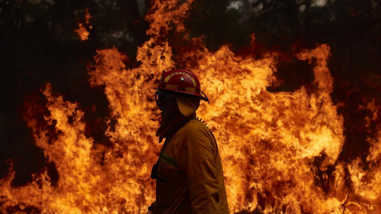 Горски пожар в Южна Испания наложи евакуацията на 500 души
