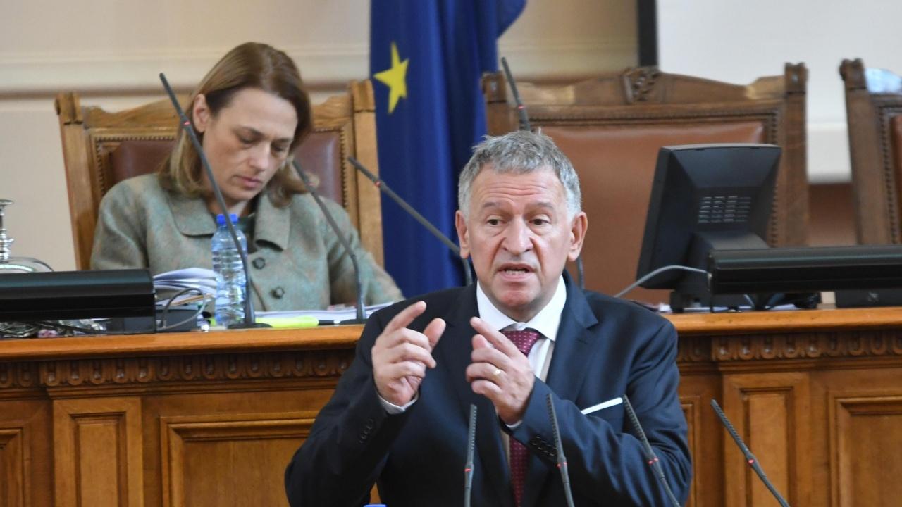 Министър Кацаров коментира дали у нас ще се прилага трета доза на COVID ваксина