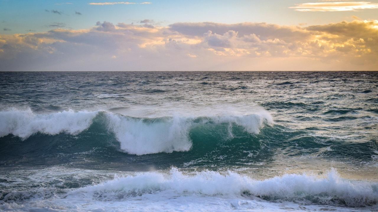 15-годишно момиче изчезна в бурното море край Китен