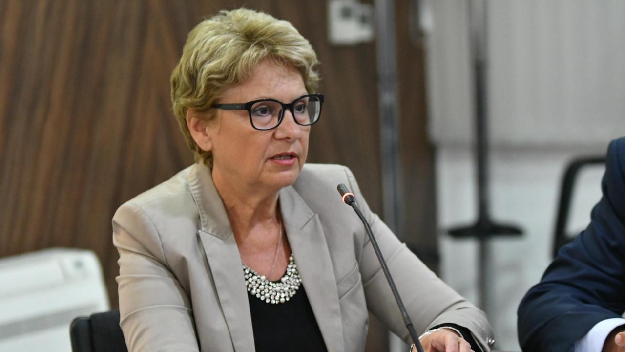 Министър Комитова към Нанков: Каня ви на дебат, огорчен сте и обърквате хората с лъжи