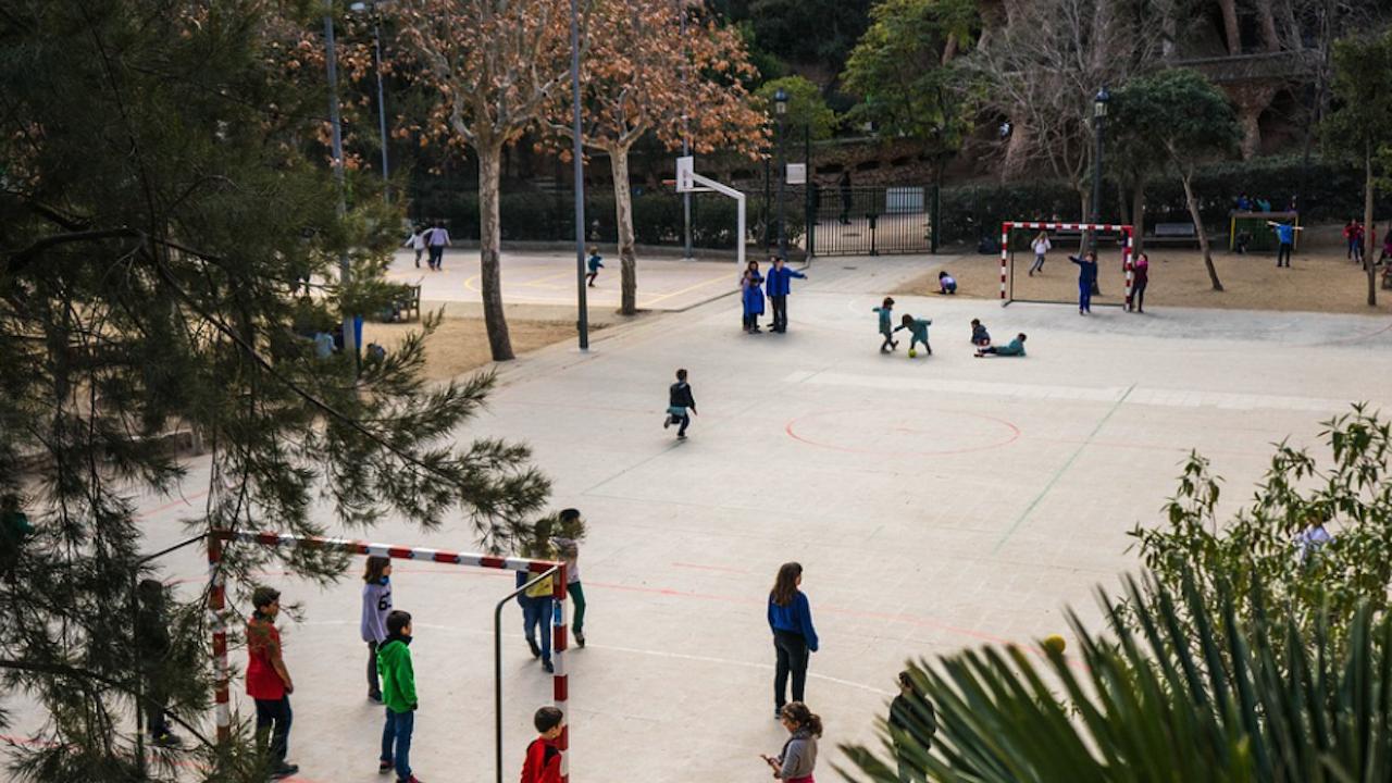 Откриха спорт-арт площадка в ямболско училище