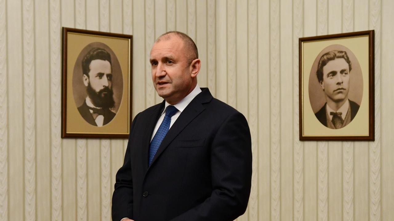 Президентът Радев подписа указ за назначаването на Гергана Стоянова за нов член на ЦИК