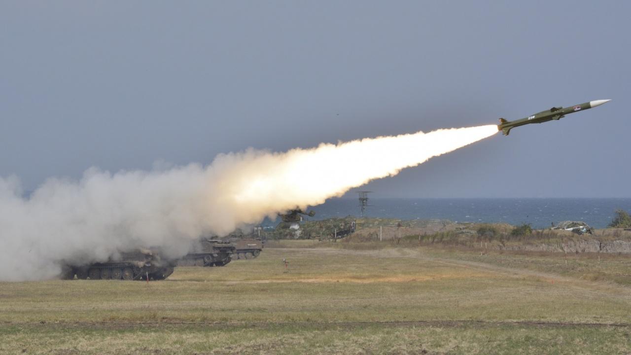 """Формированията за противовъздушна отбрана получиха висока оценка за успешно проведените стрелби на зенитен полигон """"Шабла"""""""