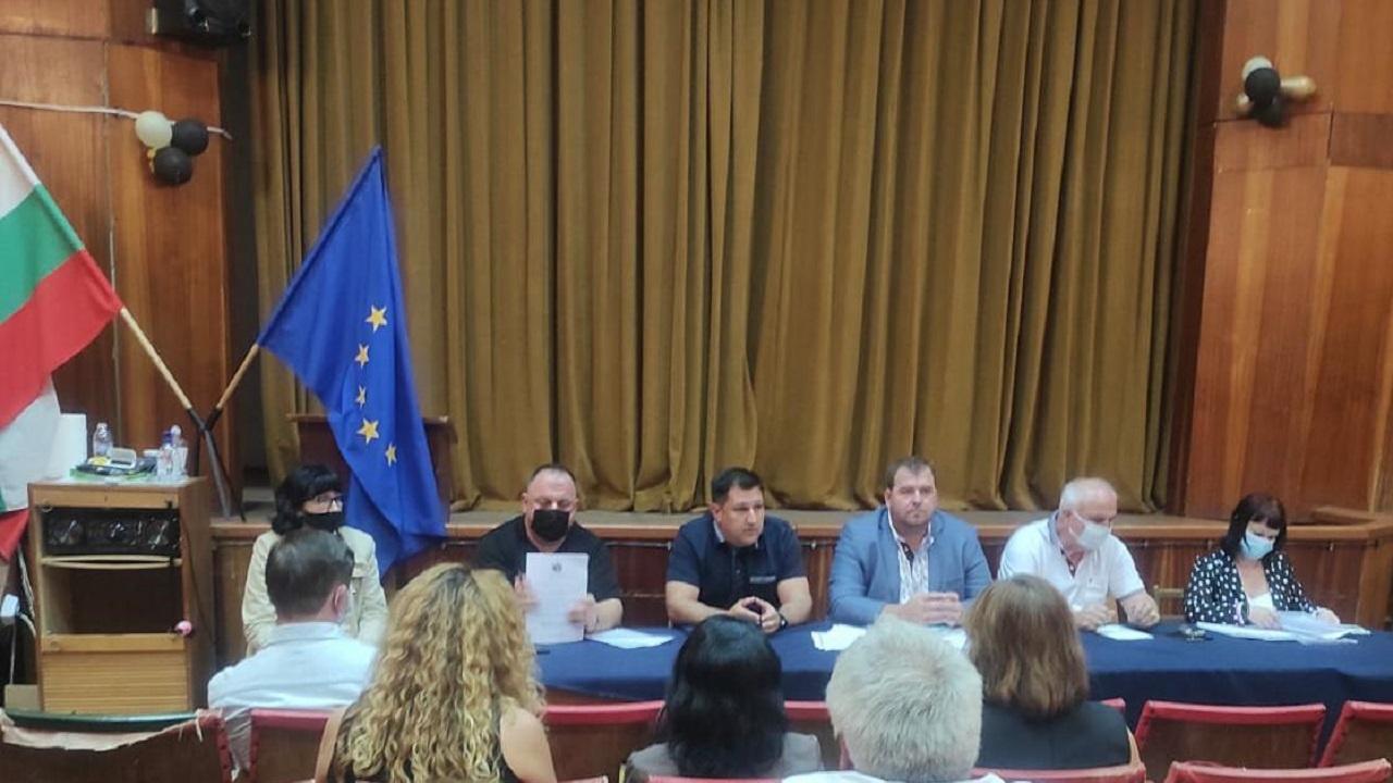 Заместник-министър Гечев: Апелирам земеделските стопани да подадат заявления за нанесените от градушката щети в Пловдивско