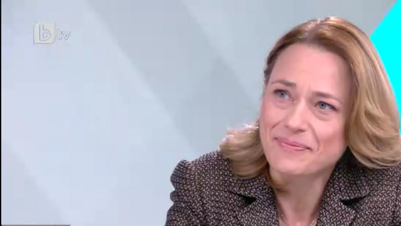 Ива Митева: Няма да има извънредно заседание на НС в понеделник