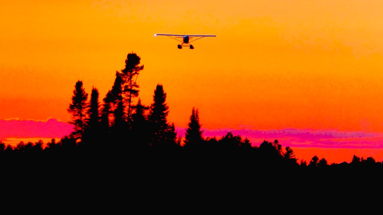 Четирима души загинаха при аварийно кацане на самолет в Русия