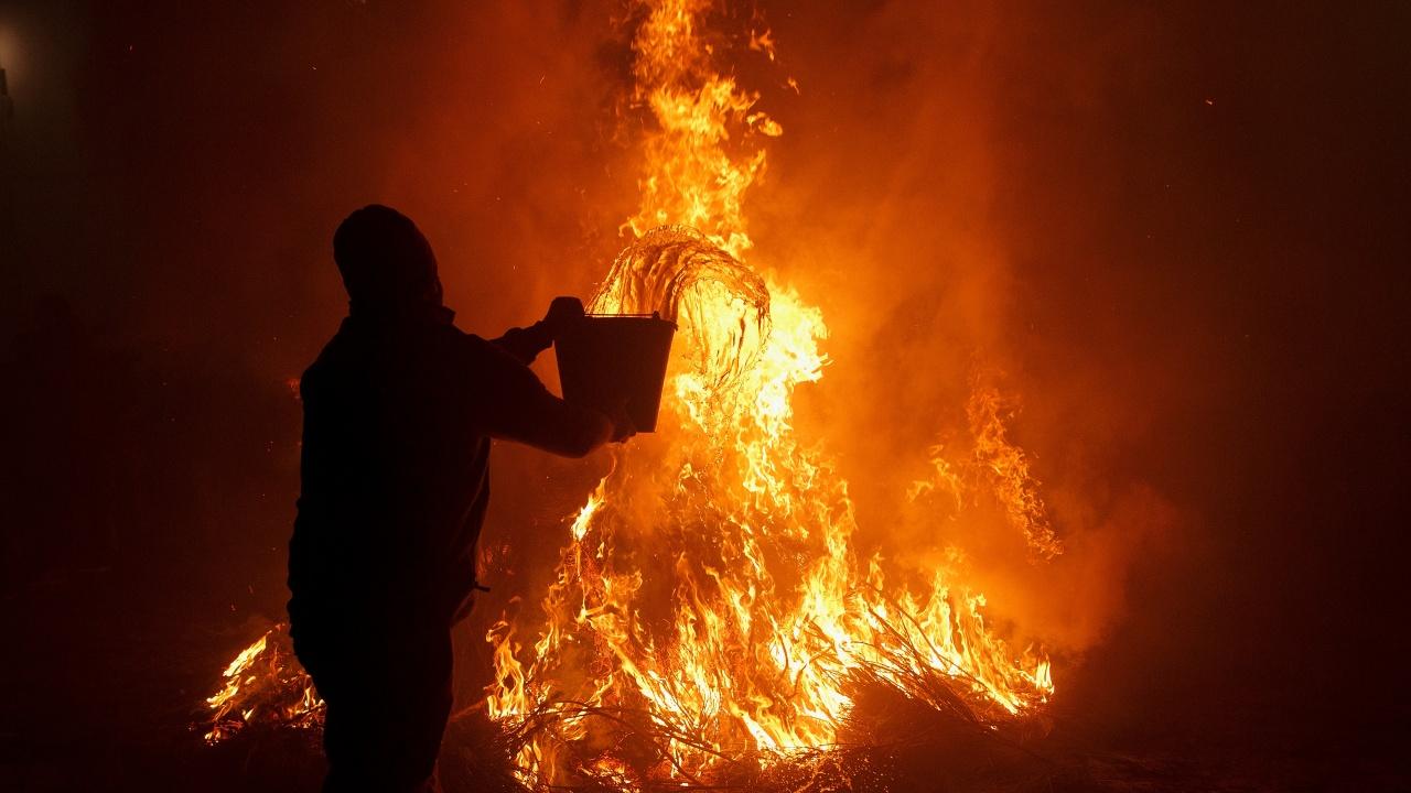 Испания изпрати войници да помагат за гасенето на горски пожар
