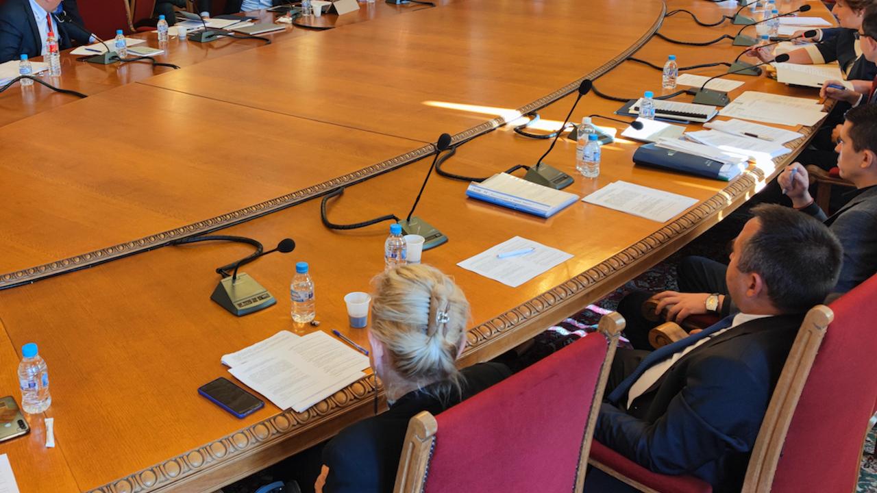 Комисията за контрол на службите се събира на извънредно заседание