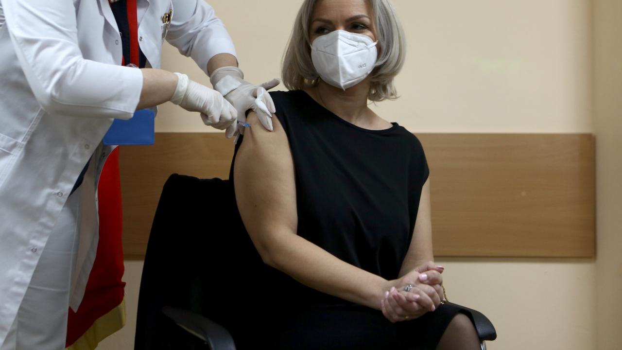 Вече 5 милиона души в Москва са получили първа доза ваксина срещу COVID