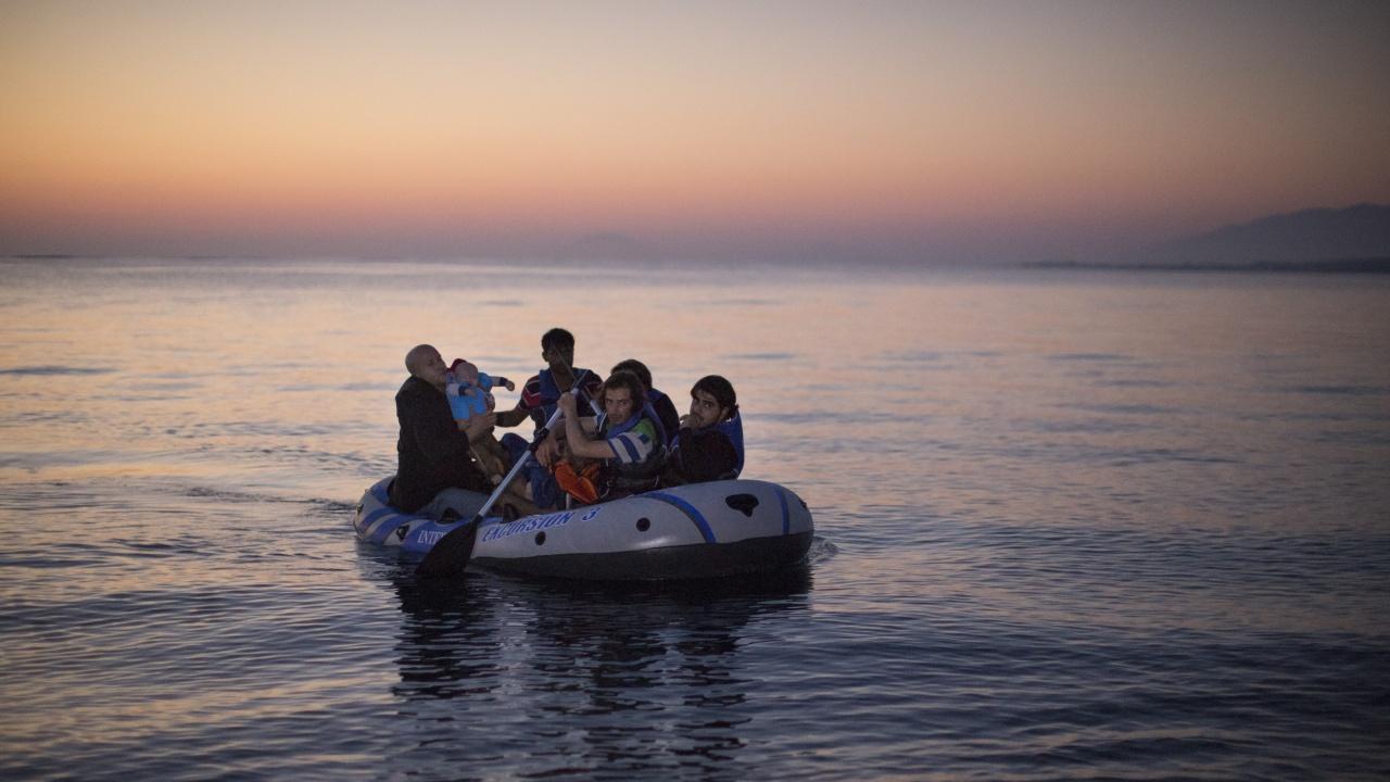Гърция изгражда мигрантски центрове по егейските острови в очакване на бежанска вълна