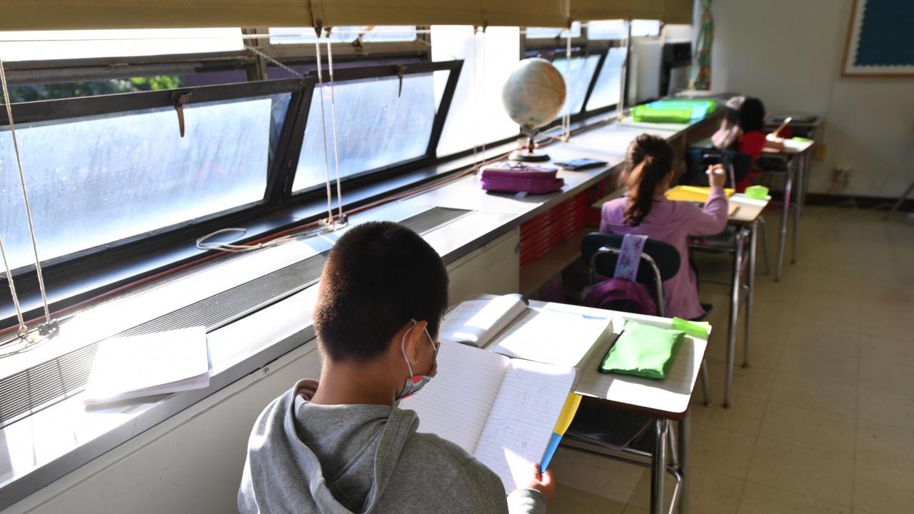 Около 1 млн. ученици ще започнат присъствено учебната година в Ню Йорк
