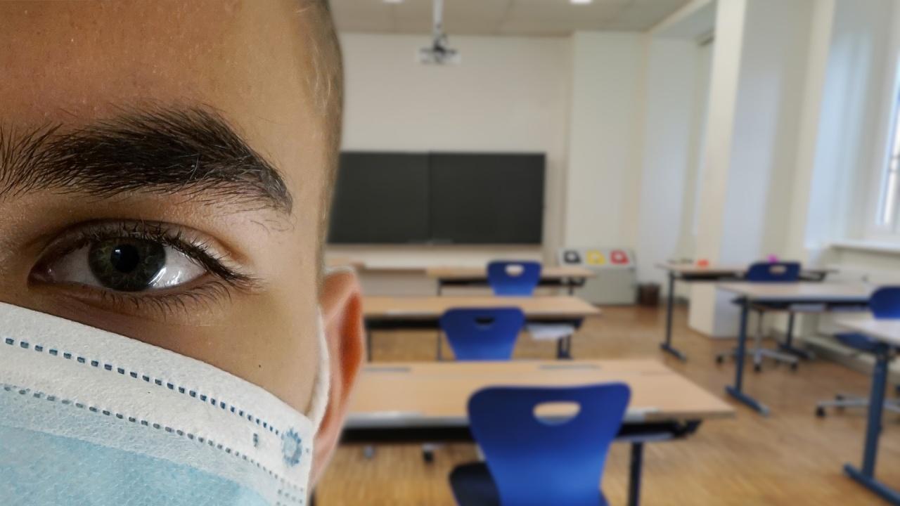 Зам.-министър: Ако в училището няма болни от COVID-19, то ще остане отворено