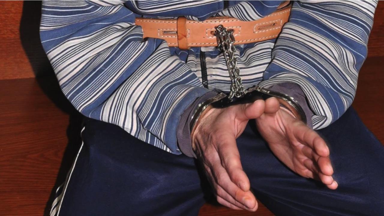 Задържаха 48-годишен мъж, пребил жена в заведение