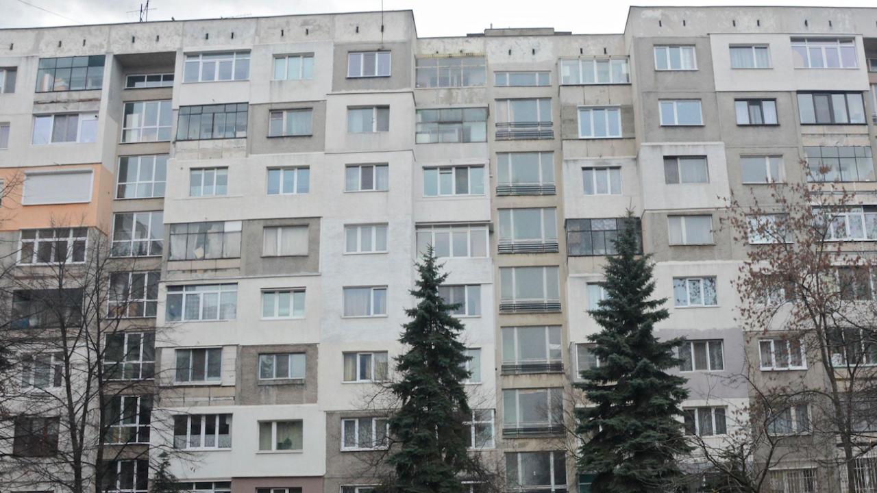 Живеещи в определени общински жилища в Русе ще могат да кандидатстват за закупуването им