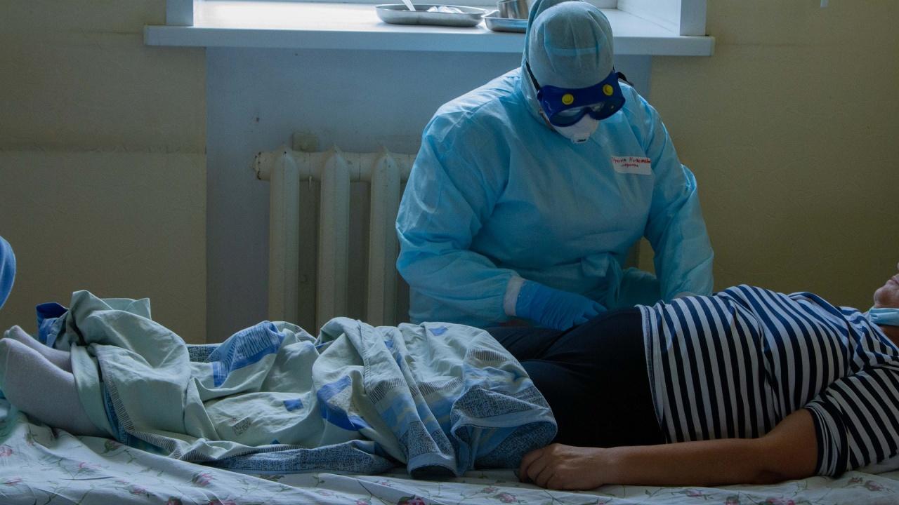 Инфекциозна болница опроверга д-р Мангъров за починали ваксинарани пациенти
