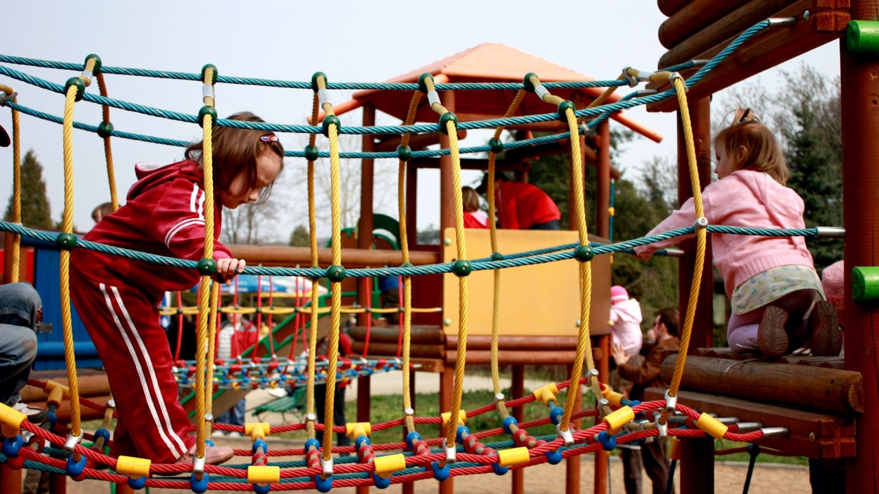 Увеличават се децата и учениците в община Радомир