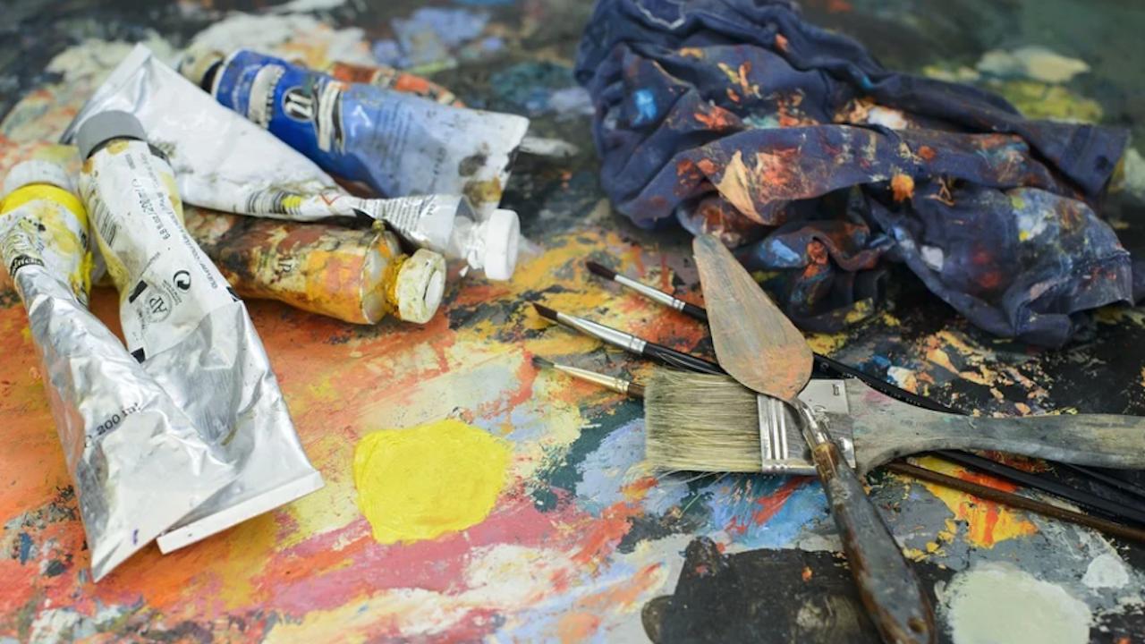 Благотворителна изложба за събиране на средства за болен младеж правят художници в Монтана